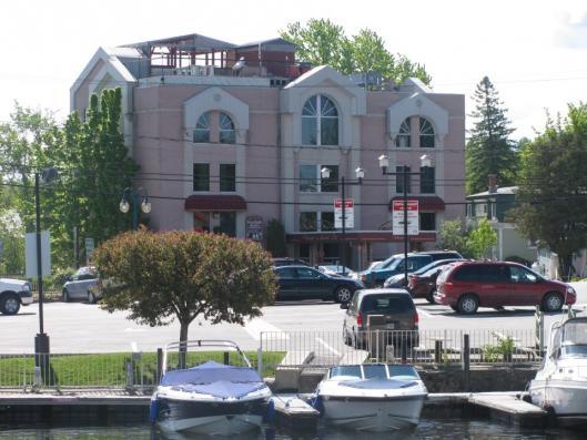 Auberge du grand lac magog h tels cantons de l 39 est for Auberge jardin champetre magog