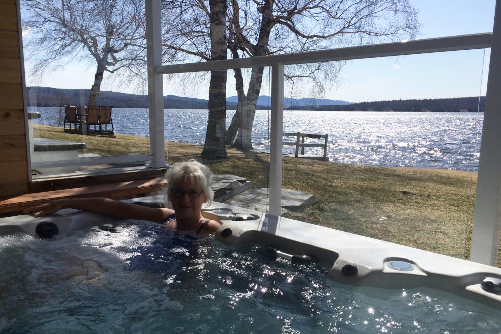 Spa face au lac: