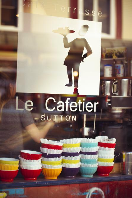 Le Cafetier Sutton: Café de village