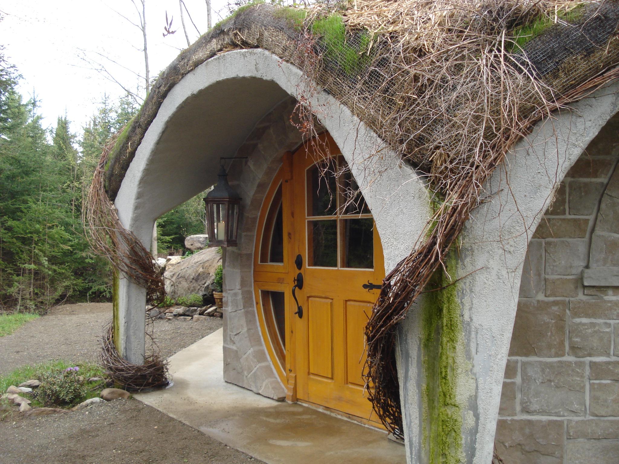 Tourisme cantons de l 39 est tourisme estrie qu bec for Porte hobbit